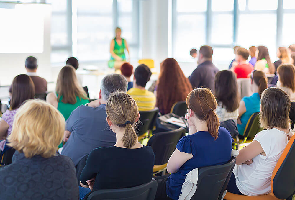 5-Tips-on-Communicating-With-Venue-Staff-for-Meeting-Success.jpg